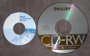mini_cd_vs_normal_cd_comparison